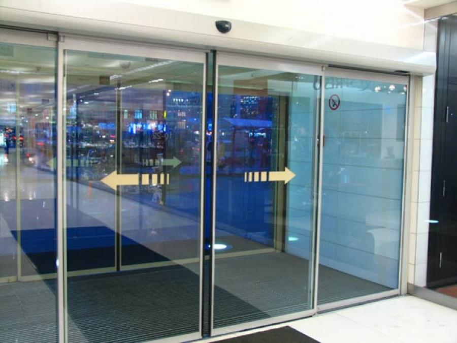 Автоматичні скляні двері