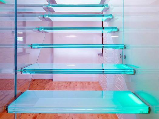 Лестница с закаленного стекла