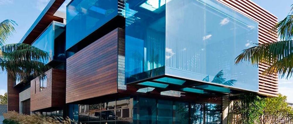 Прибудова скляної тераси до будинку